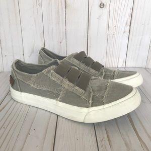 Blowfish Maura Gray Canvas slip on sneakers 9